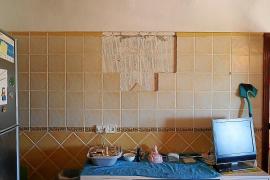 Una vecina de can Guasch denuncia daños en su casa por las obras de un depósito de agua