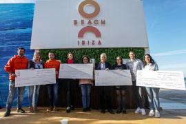 O Beach Ibiza reparte 35.000 euros entre Aspanob, Proemaid, Apneef y Abode Project por su labor social en la isla y el mundo