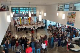 El coro infantil del Conservatorio de Ibiza actúa en el hospital Can Misses