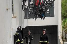 Si vas sin llaves, llama a los bomberos antes