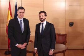 """Sánchez pide a Casado solo las abstenciones """"necesarias"""" del PP para ser investido"""
