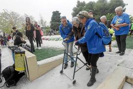 El voluntariado trata de mostrar que jóvenes y mayores «tienen una función social»