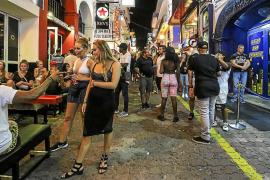 Sant Antoni recuerda que no hay hoteles 'todo incluido' que regular en el West End