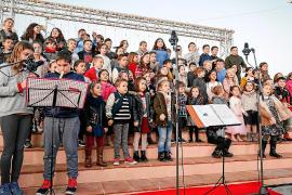 Nadales a la Plaça moviliza a los colegios de Sant Josep