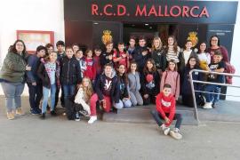 Alumnes de1er de la ESO del Col·legi Sagrat Cor, varen visitar l'estadi de Son Moix i Grup Serra