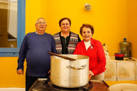 La salsa de Nadal se podrá degustar un año más en la Llar