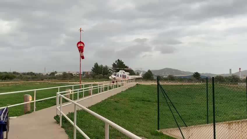 Empieza a funcionar la nueva empresa de transporte aéreo sanitario entre las Pitiusas y Mallorca