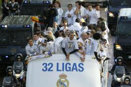 El Real Madrid festeja la Liga junto a más de 25.000 aficionados