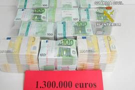 Detenido un pasajero de un vuelo privado con un millón de euros