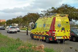 El menor atropellado a la salida de un colegio de Sant Jordi permanece hospitalizado