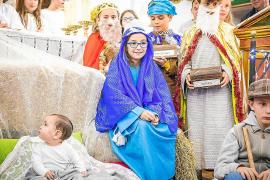 Belenes vivientes y visitas de Papá Noel en vísperas del día de Navidad