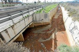 Medi Ambient construirá un nuevo drenaje en la carretera de Vila al aeropuerto