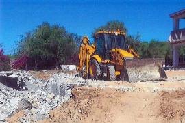 Santa Eulària ordena la demolición de cinco piscinas construidas sin licencia