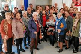 Los vecinos de San Pablo invitan a sus mayores