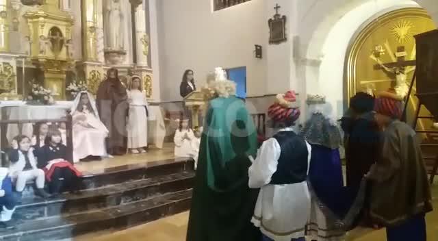Un Belén viviente con toques ibicencos anuncia el nacimiento de Jesús en Sant Josep
