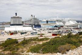 El puerto de Ibiza triplica en una década la recepción de turistas a bordo de cruceros