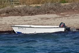 Los ocupantes de una patera toman tierra en Formentera