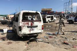 Un coche bomba causa al menos 94 muertos y casi cien heridos en Mogadiscio
