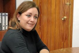 Alejandra Ferrer: «Si fuese competencia del Consell, ya existiría una tasa para limitar el fondeo»