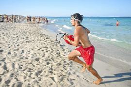 Formentera dispone de ocho socorristas que aumentarán hasta 18 en temporada alta