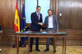 Sánchez e Iglesias derogarán parte de la reforma laboral, regularán el alquiler y subirán los impuestos a los ricos