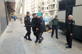 Detenidos migrantes llegados en patera