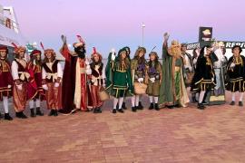 Los Reyes Magos regalan ilusión a Formentera tras un día primaveral