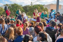 Los Reyes cubren Santa Eulària de regalos y caramelos antes de marcharse