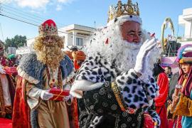 Los Reyes Magos visitan por primera vez Can Bonet