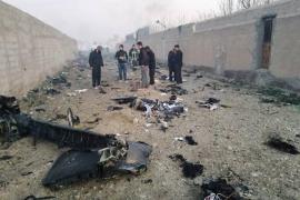 Mueren 176 personas tras estrellarse un avión de pasajeros en Irán