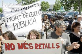 Cacerolada de padres, profesores y alumnos contra los recortes