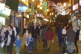 La llegada de 10.000 inmigrantes evita que la población de Baleares se estanque