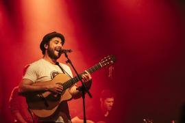 Jah Chango canta 'Historias de Juanito' con La Pegatina y Jamaram