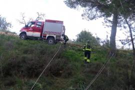 El rescate a un perro en Sant Antoni, en imágenes