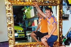 Ofrece una recompensa de 400 € por recuperar un espejo robado en Ibiza