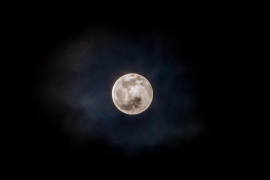 El primer eclipse lunar del año visto desde la isla de Ibiza