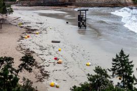 Playas que 'desaparecen' tras el paso del fuerte temporal de viento