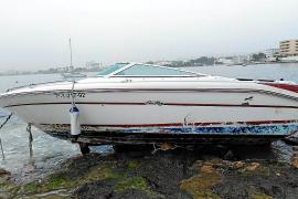 La borrasca 'Gloria' provoca daños en la costa de Sant Josep y rompe la pasarela de Port des Torrent