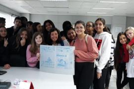 Alumnes de 1er de la ESO de l'IES Ramon Llull de Palma varen visitar la planta impressora de Son Valentí