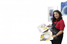 Doralice Souza vivirá el «sueño» de pintar en la India para ayudar a la Fundación Vicente Ferrer