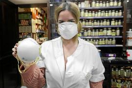 La venta de mascarillas por el temor al coronavirus arrasa en las farmacias de Ibiza