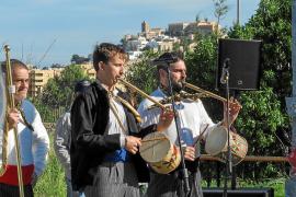 Actuación de la Colla de Sa Bodega en Can Tomeu para el evento Feim Barri, Feim Tradicions